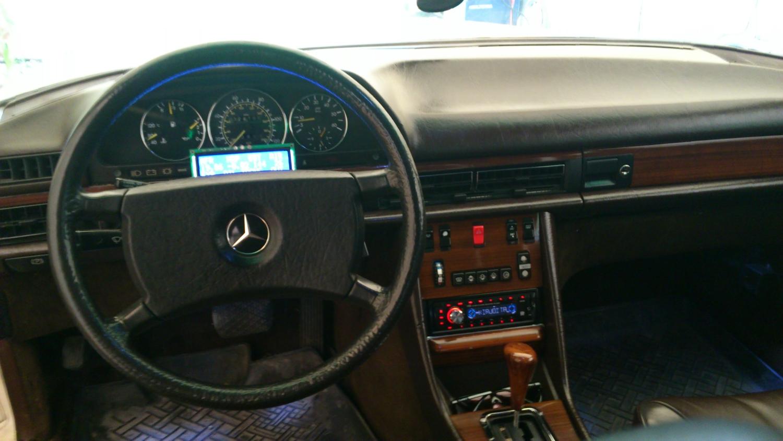 Ingen Volvo Sida Mercedes Benz W126 300SD 83